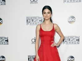 Selena Gomez at American Music Awards 2016.