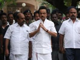 MK Stalin pays homage to Cho Ramaswamy.