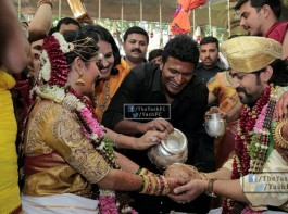 Actor Yash and Radhika Pandit Marriage held at Plalace ground, Bangalore on 9th December. The couple tied the knot as per the Hindu customs. Celebs like Puneeth Rajkumar, Ravichandran, Sriimurali, Bharathi Vishnuvardhan, Shivarajkumar, Sudeep, Raghavendra Rajkumar, and others spotted at the wedding.