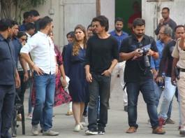 Bollywood actor Shah Rukh Khan spotted at Mehboob studio.