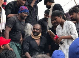 South Indian actor Raghava Lawrence participates in Jallikattu protest at Marina Beach.