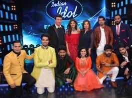 Bollywood actress Shilpa Shetty on the sets of Indian Idol season 9 with Anu Malik, Farah Khan and Sonu Nigam in Mumbai on March 14, 2017.