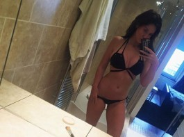 Check out for Hollywood actress Vicky Pattison's hottest bikini pictures.