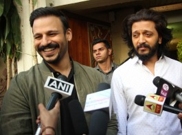 Bollywood actors Vivek Oberoi and Ritesh Deshmukh promote film Bank Chor in Mumbai on April 7, 2017.