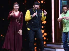 The beautiful and ravishing looking Raveena Tandon is the cynosure of all eyes as she looks ethereal on the sets of Sony Entertainment Television's kids acting reality show, Sabse Bada Kalakar. It was  a surprise for everybody on the sets when the king of rap Badshah dropped on the sets.