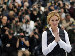 People's most beautiful woman Julia Roberts' stunning pictures.