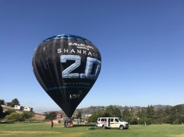 Rajinikanth-Akshay Kumar's 2.0 promotions hit the sky! Hot air balloon spotted in US!
