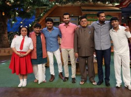 The cast of The Kapil Sharma Show and the Pathan Brothers.
