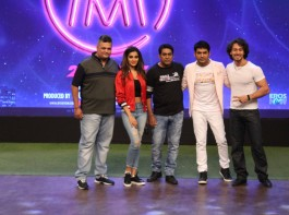 Tiger Shroff and Nidhi Agerwal at The Kapil Sharma Show to promote their upcoming film