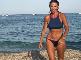 Davina Lucy Pascale McCall flaunts her athletic figure and impressive abs