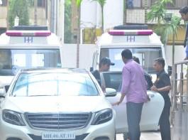 Bollywood actor Hritik Roshan spotted at Hinduja hospital.
