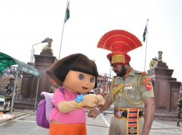 """The force that spends the entire year away from their families protecting the nation's over 7000 kilometers land border had the kids along with the toons pay them a visit to celebrate the auspicious occasion of Rakshabandhan in its true essence of """"Surakshabandhan"""".  Festivity, Respect and selflessness was at full display as children along with the toons tied the symbolic Rakhi to the soldiers as prelude to iconic retreat ceremony, thus saluting their bravery, selflessness and relentless commitment to the country."""