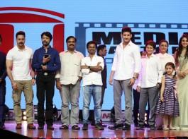 Spyder Pre Release event held at Hyderabad. Celebs like Mahesh Babu, AR Murugadoss, SJ Surya, Krishna, Vijaya Nirmala, Harris Jayaraj, Santosh Sivan, BVSN Prasad,  and others graced the event.
