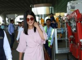 Shruti Haasan spotted at Chhatrapati Shivaji Maharaj International airport.