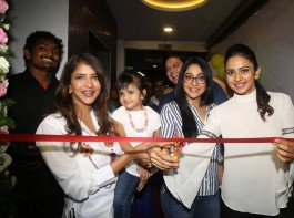 Celebs like Rhea Chakraborty, Rakul Preet Singh, Lavanya Tripathi, Regina Cassandra Junior snapped at Kuppanna Restaurant Launch.