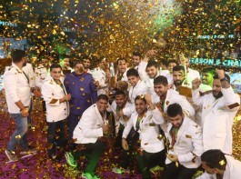 Patna Pirates thumped Gujarat Fortunegiants 55-38 at the Jawaharlal Nehru Indoor Stadium here on Saturday to clinch the Pro Kabaddi League (PKL) season 5 title. Patna have won the PKL title for third consecutive season now. Raider Pardeep Narwal (19 points) starred for Patna to single-handedly dominate the match and clinch the all-important victory. Defender Jaideep (5 points) too played a vital role. For Gujarat, Sachin (11 points) was the top scorer.