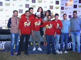 The makers of Fukrey along with the entire star cast had a fun-filled affair last evening. The entire evening was a surprise element as the star cast were at their humorous best. Present at the event were Pulkit Samrat, Varun Sharma, Ali Fazal, Manjot Singh, Richa Chadda, Pankaj Tripathi and director Mrighdeep Lamba and producer Ritesh Sidhwani.