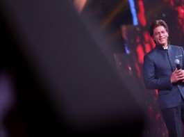 The King of Romance Shah Rukh Khan making the audience fall in love with him with his charming smile at the inaugural of IFFI 2017.
