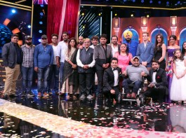Firangi' cast pose for the photo-ops on the sets of Oye Firangi show.