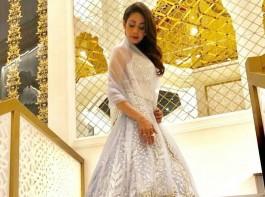 Bollywood veterans Govinda and Sridevi stole the limelight at the Masala! Awards 2017 here, where Pakistani actresses Mahira Khan and Saba Qamar too were present.