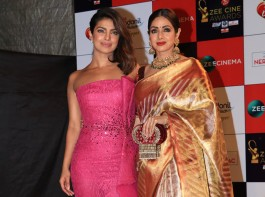 Priyanka Chopra poses with Sridevi at Zee Cine Awards 2018.