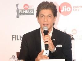 Shah Rukh Khan addresses media during Filmfare Awards 2018 Press Conference.