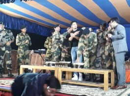 Filmmaker Neeraj Pandey along with Manoj Bajpayee, Sidharth Malhotra, Rakul Preet Singh and Pooja Chopra visited the BSF camp in Jaisalmer after the team received an invite from the Jawans.