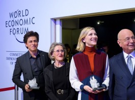"It was, as he said, his ""fan moment"". Bollywood superstar Shah Rukh Khan, who was feted with a Crystal Award at the World Economic Forum summit here along with Hollywood celebrities Cate Blanchett and Elton John, requested a selfie."