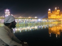 Actors Mohit Raina and Mukul Dev on Tuesday sought blessings at the Golden Temple here for the success of their upcoming show