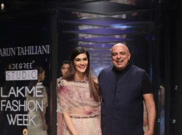 Bollywood actress Kriti Sanon, dressed in a nude tulle lehenga-choli lent a dreamy end to ace designer Tarun Tahiliani's show at Lakme Fashion Week (LFW) Summer/Resort 2018.