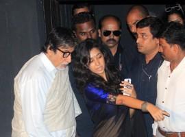 Shashi Kapoor Receives Dadasaheb Phalke Award; Amitabh Bachchan Attends