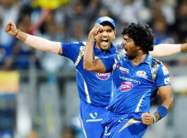 Malinga clean bowls Dhoni with a yorker