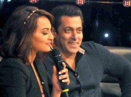 Salman Khan and Sonakshi Sinha at Indian Idol Junior sets