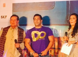 Salim Khan and Salman Khan at Bajrangi Bhaijaan Book Launch Event