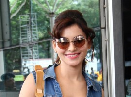 Urvashi Rautela snapped at Mumbai Airport