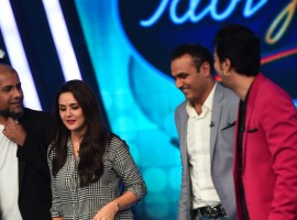 Cricketer Virendra Sehwag and Bollywood actress Preity Zinta appeared on Indian Idol Junior
