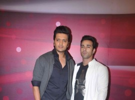 Bollywood Actor Ritesh Deshmukh and Pulkit Samrat promotes Bangistaan on the sets of The Voice India.