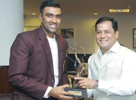 Cricket Player Ashwin Ravichandran receives Arjuna Award.