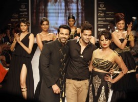 Photos of India International Jewellery Week 2015.