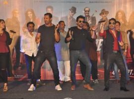 Bollywood Actor John Abraham, Anil Kapoor, Nana Patekar dance at Welcome Back song launch.