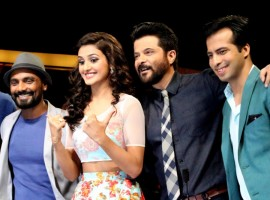 Photos of Bollywood Actor Anil Kapoor, John Abraham promote Welcome Back on the set of dance .