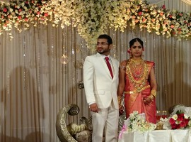 Celebrities from Malayalam entertainment industry attended the wedding receptiion of Muktha and Rinku Tomy.