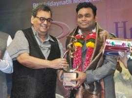 Music maestro AR Rahman was conferred with the Hridaynath Mangeshkar Award by the veteran filmmaker, producer and director Subhash Ghai last evening in Mumbai.