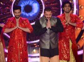The cast of Prem Ratan Dhan Payo consisting of Bigg Boss host Salman Khan, Sonam Kapoor, Swara Bhaskar, ex Bigg Boss contestant Armaan Kohli, Neil Nitin Mukesh, Deepak Dobriyal and Aashika Bhatia kick started Diwali festivities in the Bigg Boss house.