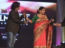 India's most prestigious film awards Filmfare held the nouveau edition of Marathi film awards held at the Kashinath Ghanekar Auditorium, Thane. Riteish Deshmukh, Tabu, Vidya Balan, Varun Dhawan, Urmila Matondkar and others present for the event.