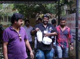 Tamil actor Parthiban helped many victims of the Chennai floods by providing relief supplies to them directly at Vembuli Amman Koil Street in Virugambakkam, Chennai.