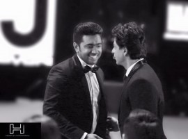 Malayalam actor Nivin Pauly met Bollywood superstar Shah Rukh Khan during the recently concluded Filmfare awards.