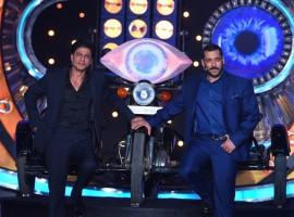 Bollywood actor Shah Rukh Khan and Salman Khan on Bigg Boss Nau.
