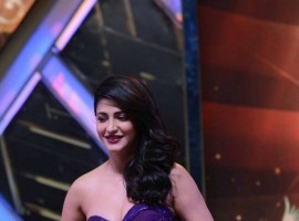 South Indian Actress Shruti Haasan Stills IIFA Utsavam 2016.