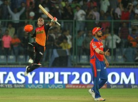Captain David Warner's belligerent innings of 96 not out helped Sunrisers Hyderabad overcome Gujarat Lions by four wickets on Friday to enter the final of the Indian Premier League (IPL).